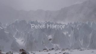 Ľadovec, sneh a vietor