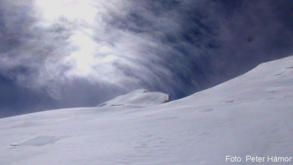 06-Vlna mrakov nad vrcholom Manaslu
