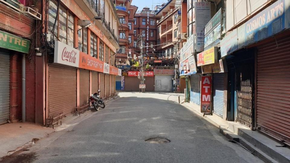 Prázdne-ulice-v-Káthmandu-3