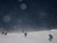Vietor v 8000 m.