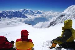 Oddych nad C1 s výhľadom na Annapurnu.