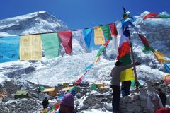 Čorten a ľadopád Khumbu.