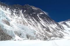 JZ stena Everestu a Južné sedlo z cesty do C 2.