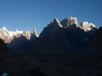 Payiu Peak, Uli Biaho a veže Trango.