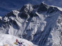 Ohromná južná stena Lhotse z vrcholu Island Peaku.