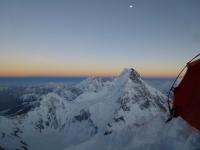 Gasherbrumy a Broad Peak z C 3 (7 400 m).