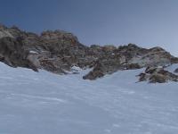 Svitanie v obrovskej vrcholovej stene.