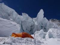 Náš stan v tábore C3 (7 200 m).