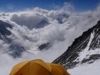 Pohľad na vrchol Pumori z posledného tábora vo výške 7 850 metrov.