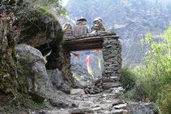 Cesta do Lhi Gaunu.