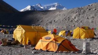 Náš základný tábor, tentoraz pod Everestom.
