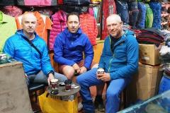 Marius Gane, Horia Colibasanu a Peter Hámor pred odchodom z Kathmandu.