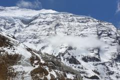 Veľká bariéra a severozápadný hrebeň Dhaulágirí.