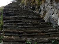 Čaro chodníkov v oblasti Annapurien - schody, schody, schody.