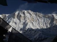 Nádherná Annapurna I (8 091 m) a jej najfarebnejšia stena.