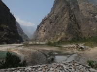 Osada Yuru Khola na sútoku rieky Yuru Khola a Bodhi Gandaki.