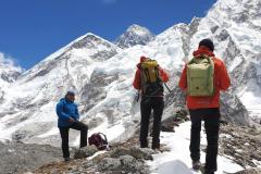 Sedlo Lho La, Changtse a Everest z cesty do Pumori Base Campu.